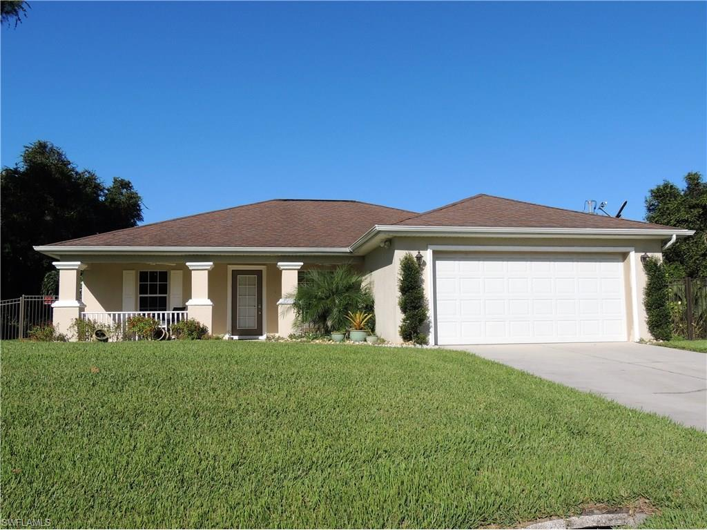 607 Roosevelt Ave, Lehigh Acres, FL 33936 (MLS #216063496) :: The New Home Spot, Inc.
