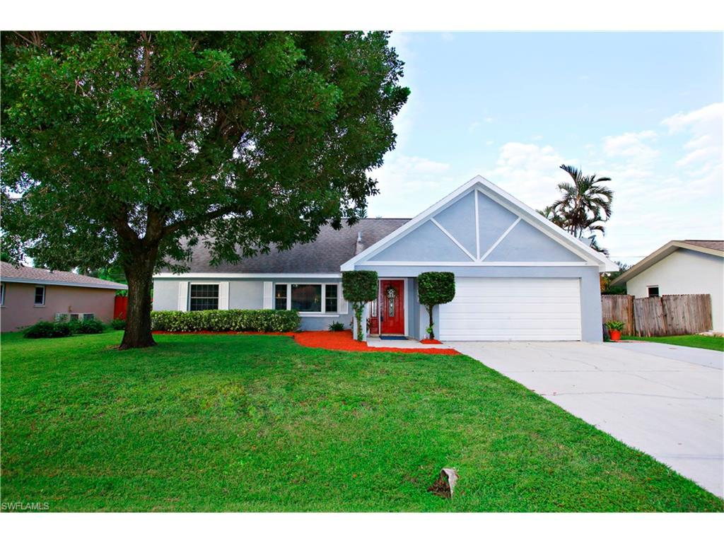 837 Entrada Dr N, Fort Myers, FL 33919 (#216063614) :: Homes and Land Brokers, Inc