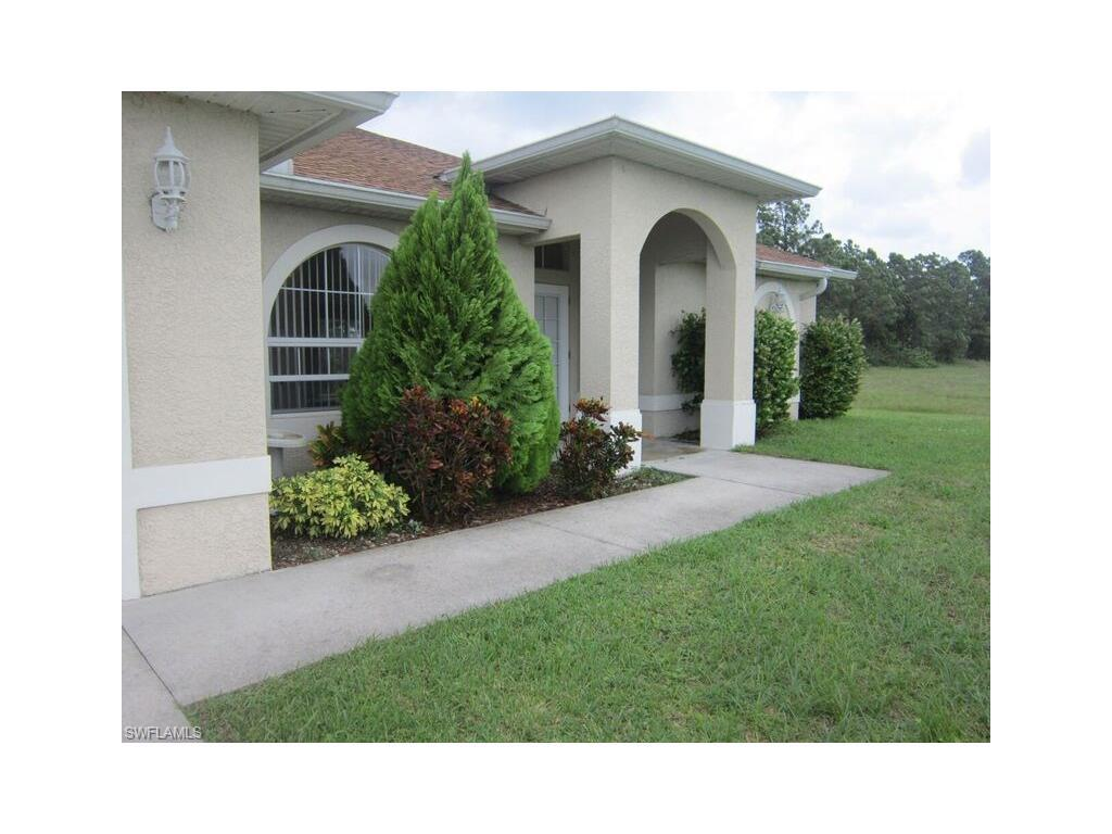 65 Wilmington Pky, Cape Coral, FL 33993 (#216063633) :: Homes and Land Brokers, Inc
