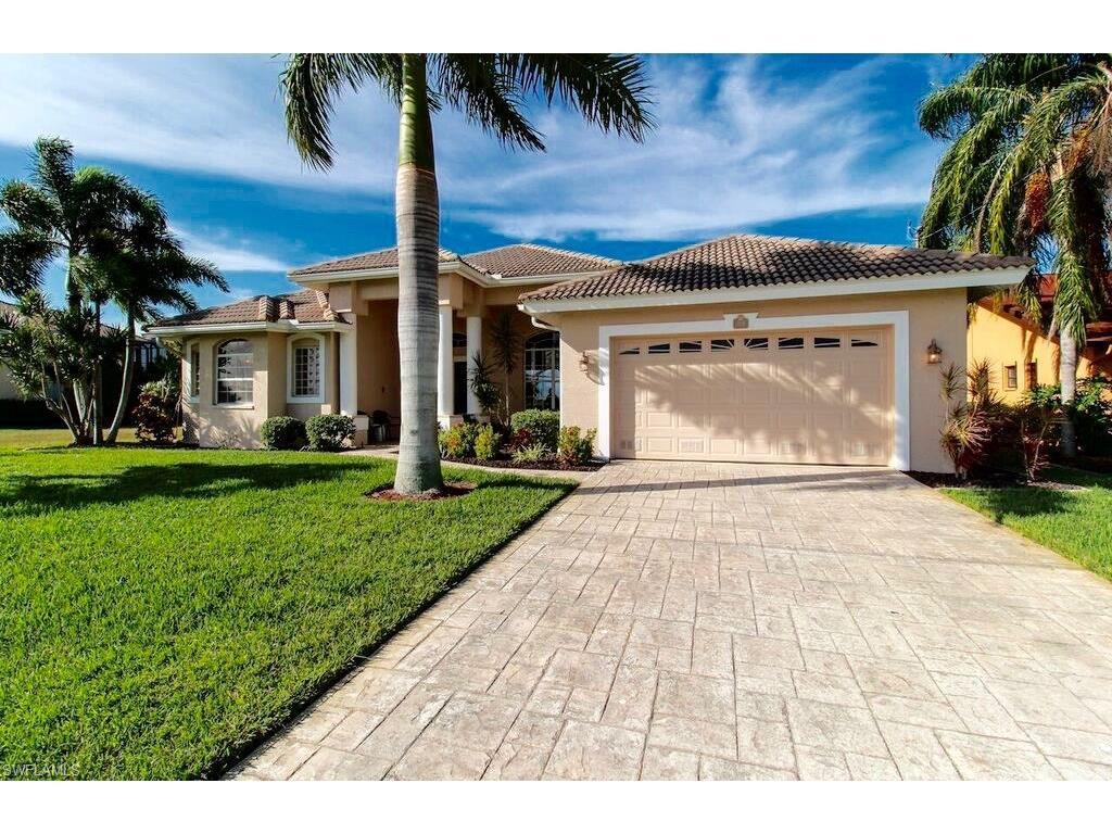 3114 Surfside Blvd E, Cape Coral, FL 33914 (MLS #216063653) :: The New Home Spot, Inc.