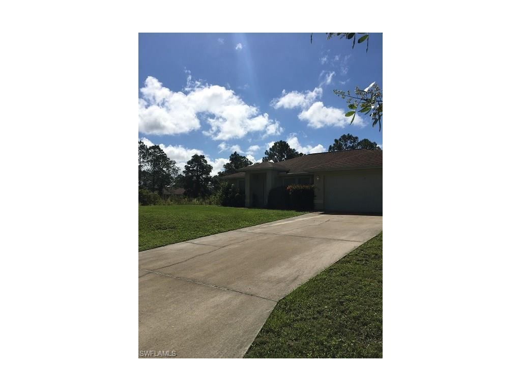 1038 Bells St E, Lehigh Acres, FL 33974 (MLS #216063746) :: The New Home Spot, Inc.
