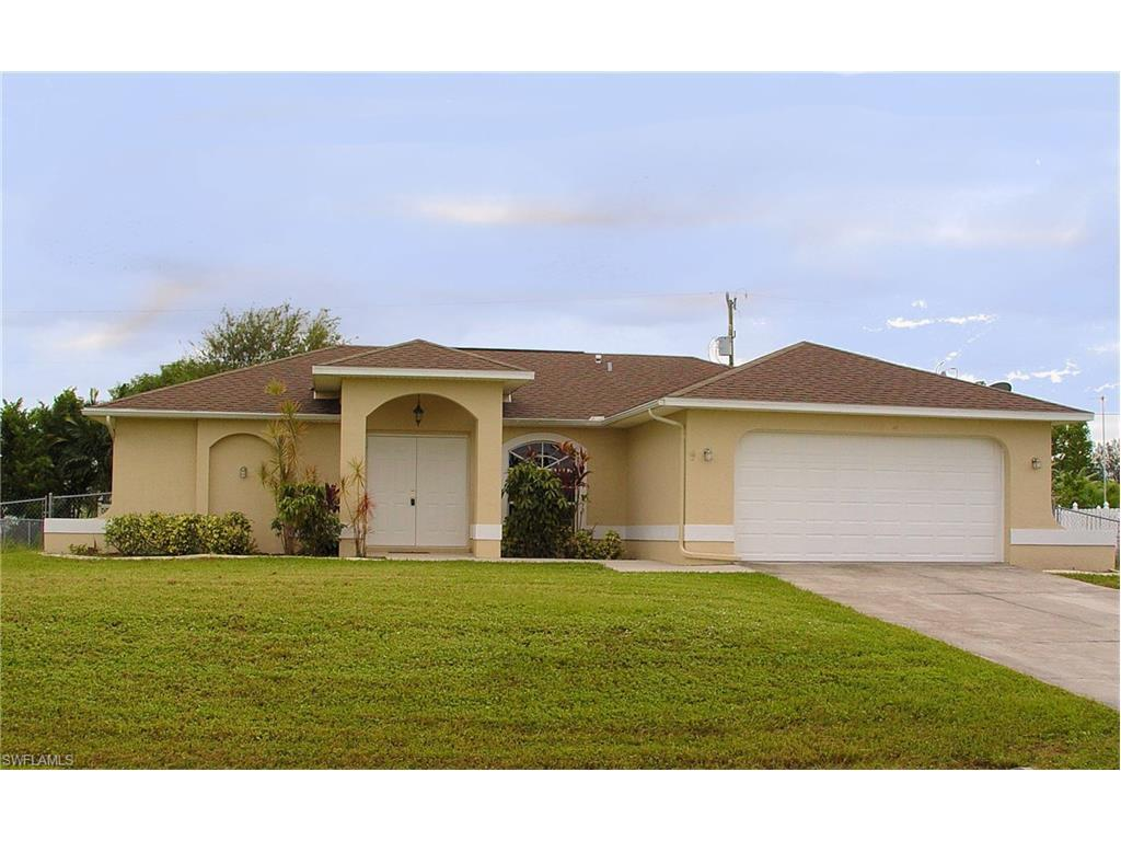 1310 SW 14th St, Cape Coral, FL 33991 (MLS #216063916) :: The New Home Spot, Inc.