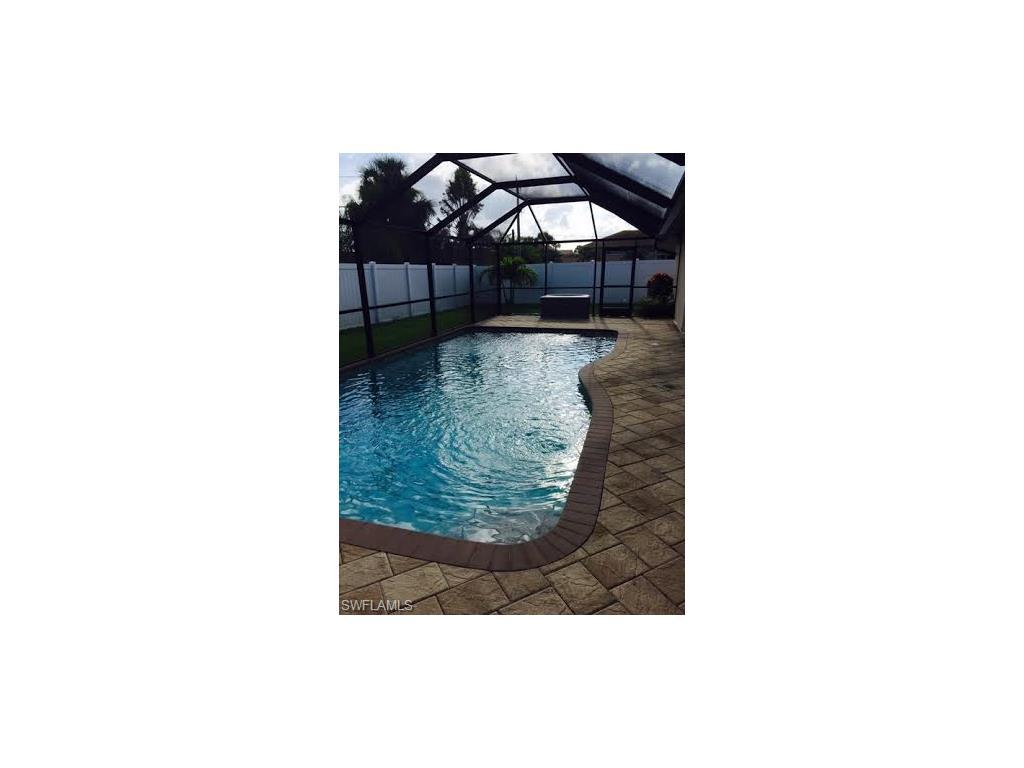 825 SW 48th Ter, Cape Coral, FL 33914 (#216064241) :: Homes and Land Brokers, Inc
