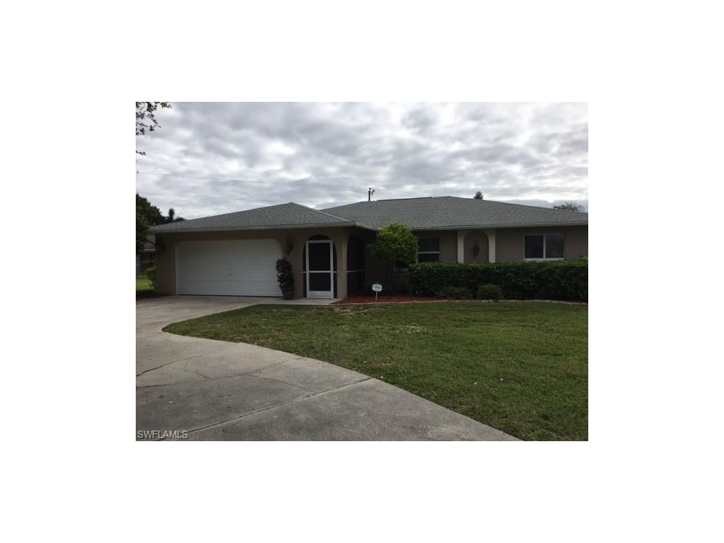 1124 SE 4th St, Cape Coral, FL 33990 (#216064243) :: Homes and Land Brokers, Inc
