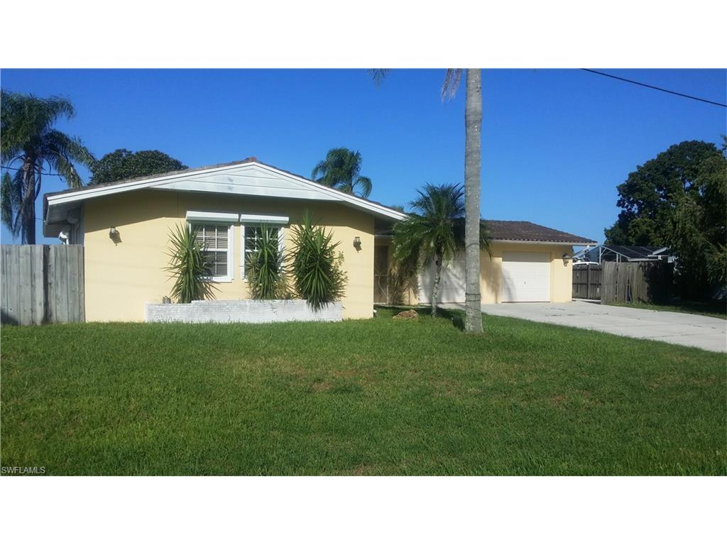 15 Lincoln Ave, Lehigh Acres, FL 33936 (MLS #216064361) :: The New Home Spot, Inc.