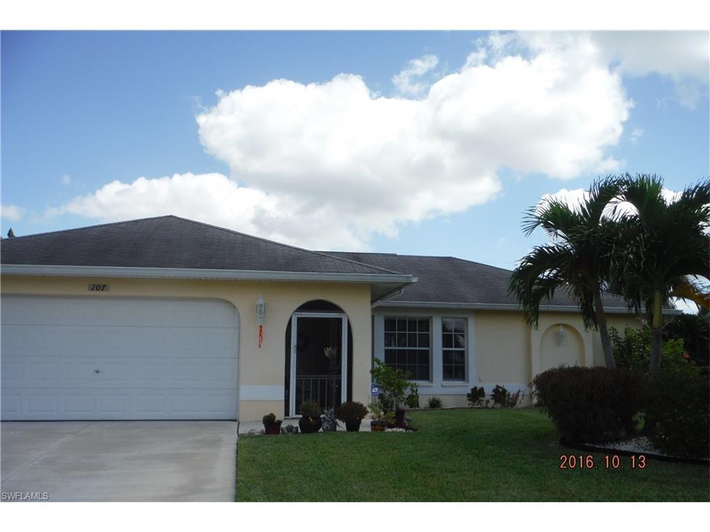 107 NE 13th Pl, Cape Coral, FL 33909 (MLS #216064394) :: The New Home Spot, Inc.