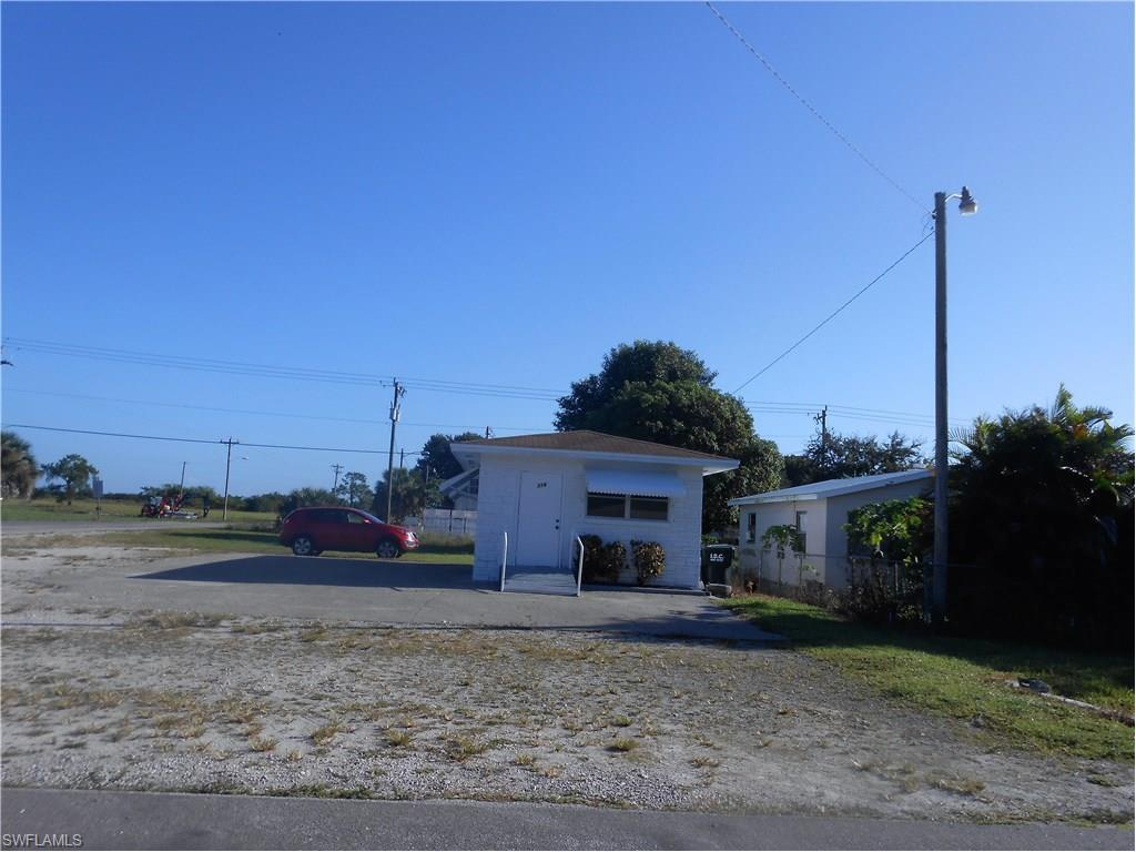 318 Jefferson Ave W, Immokalee, FL 34142 (MLS #216064410) :: The New Home Spot, Inc.