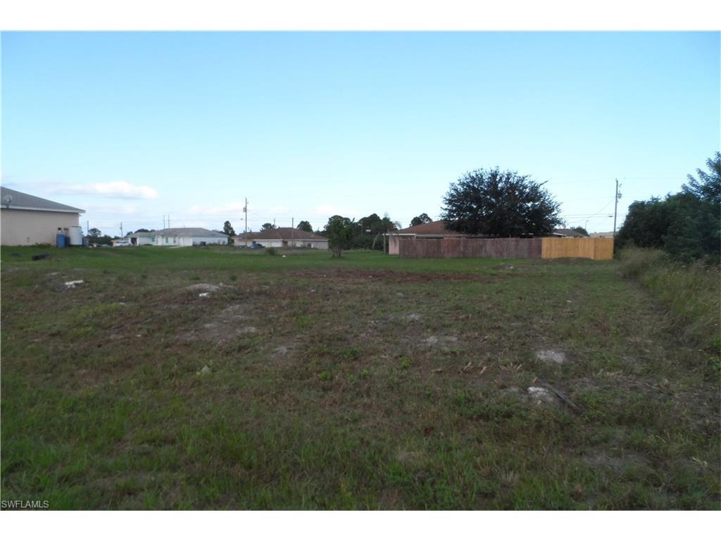 1121/1123 Gordon Ave S, Lehigh Acres, FL 33973 (#216064432) :: Homes and Land Brokers, Inc