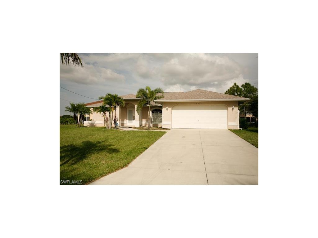 5215 SW 16th Pl, Cape Coral, FL 33914 (MLS #216064479) :: The New Home Spot, Inc.