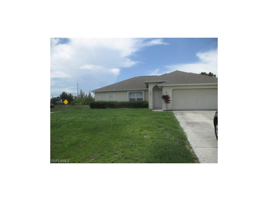 1724 SW 15th Ter, Cape Coral, FL 33991 (MLS #216064555) :: The New Home Spot, Inc.