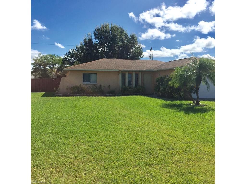 1105 SW 10th Pl, Cape Coral, FL 33991 (MLS #216064615) :: The New Home Spot, Inc.