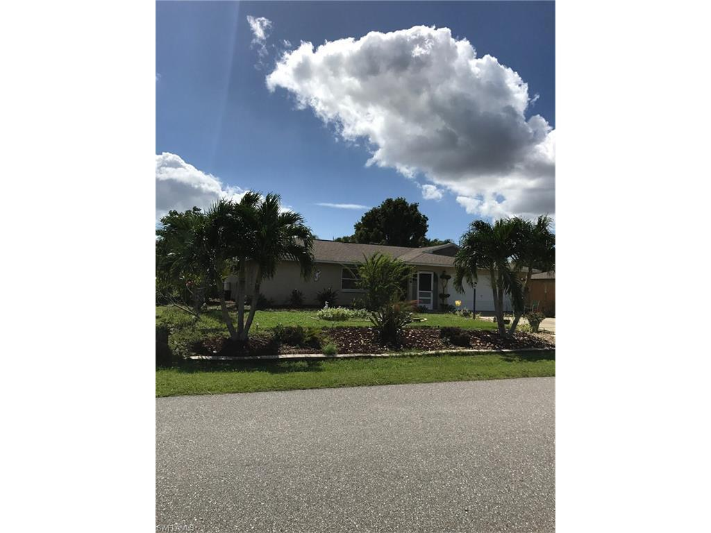 1426 SE 13th St, Cape Coral, FL 33990 (#216064773) :: Homes and Land Brokers, Inc