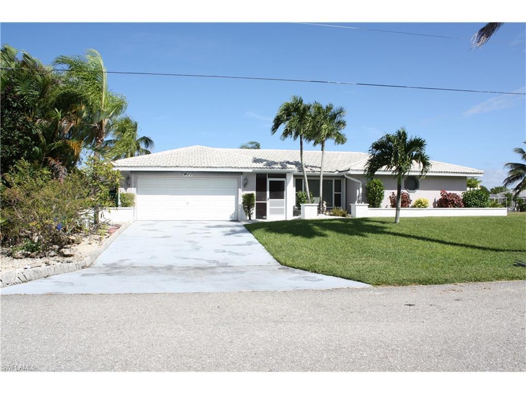 907 SE 28th Ter, Cape Coral, FL 33904 (MLS #216064788) :: The New Home Spot, Inc.