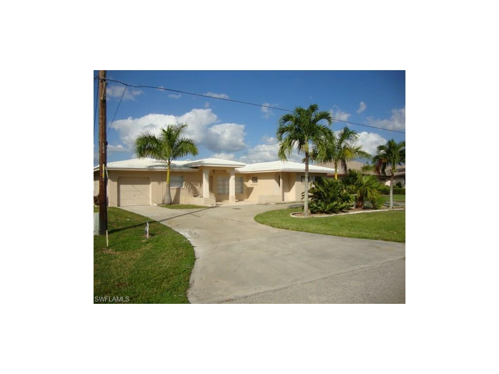 751 Coral Dr, Cape Coral, FL 33904 (MLS #216064792) :: The New Home Spot, Inc.