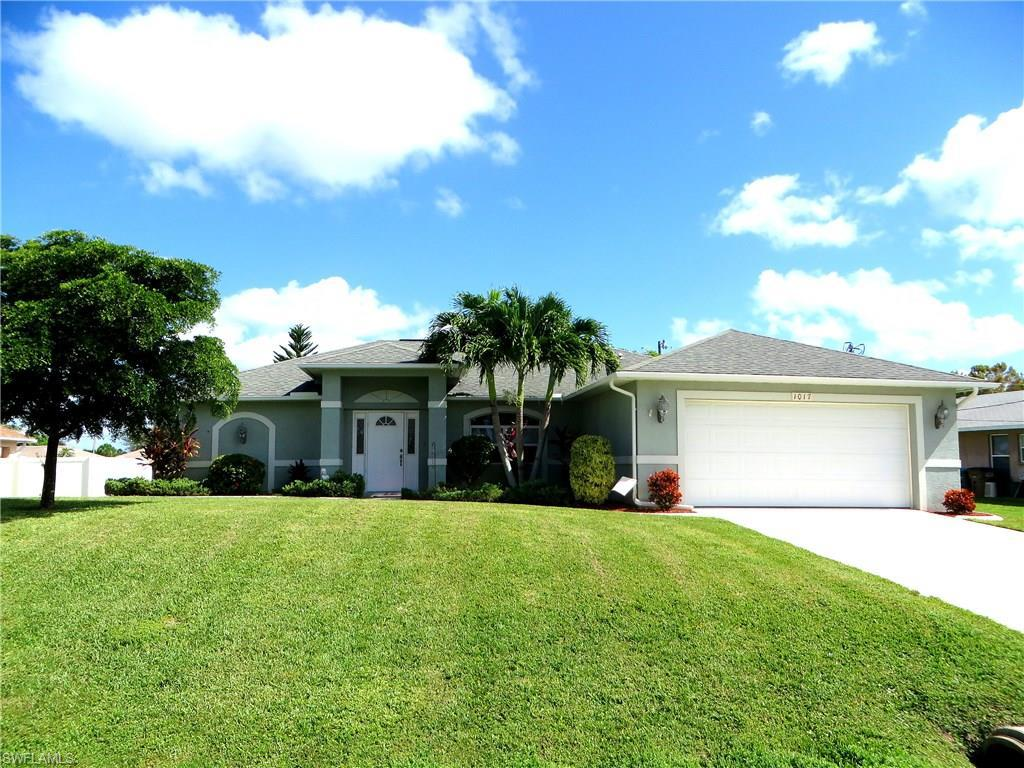 1017 SW 4th Pl, Cape Coral, FL 33991 (MLS #216064984) :: The New Home Spot, Inc.