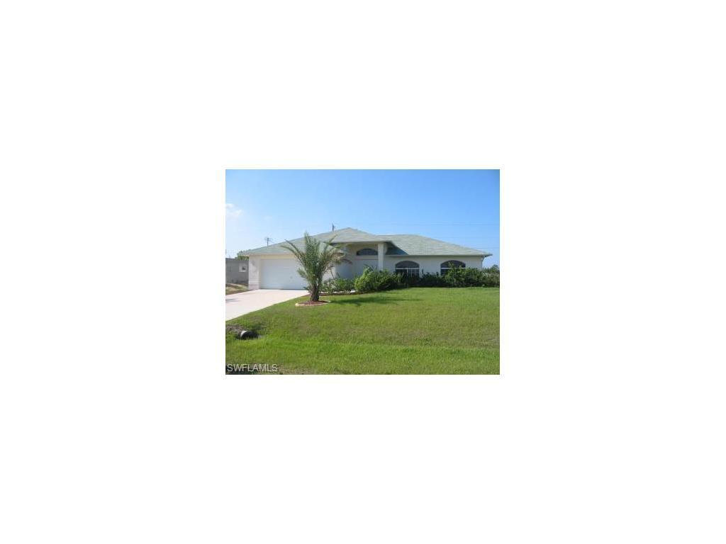 326 SE 13th St, Cape Coral, FL 33990 (MLS #216065018) :: The New Home Spot, Inc.