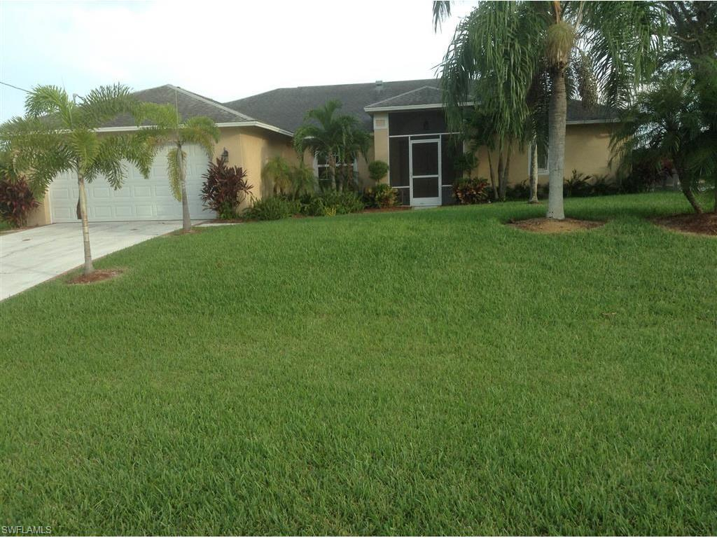 510 SE 24th St, Cape Coral, FL 33990 (MLS #216065139) :: The New Home Spot, Inc.