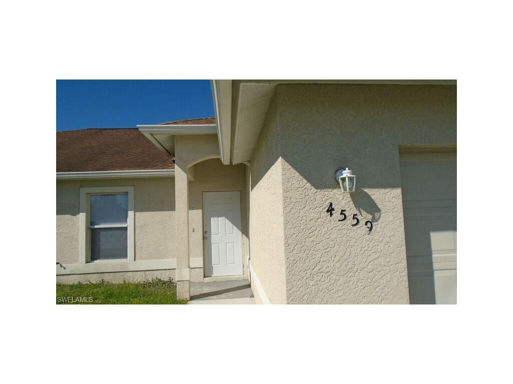 4559 Leonard Blvd S, Lehigh Acres, FL 33973 (#216065193) :: Homes and Land Brokers, Inc