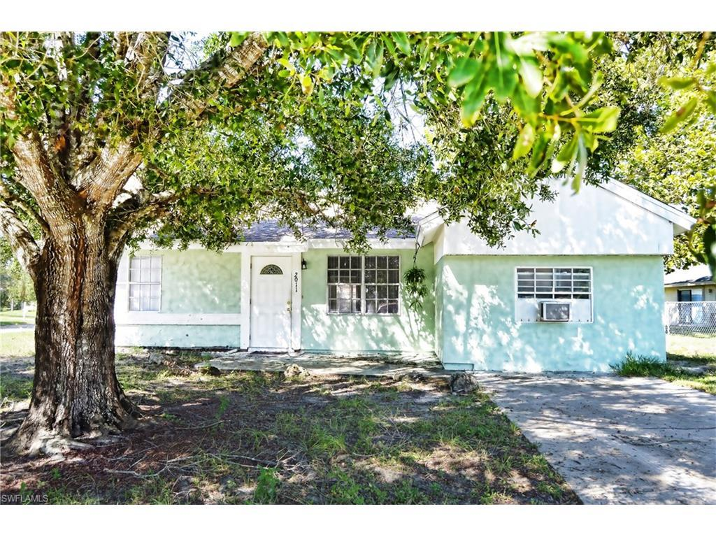 2011 Steamboat Cir, Labelle, FL 33935 (#216065209) :: Homes and Land Brokers, Inc