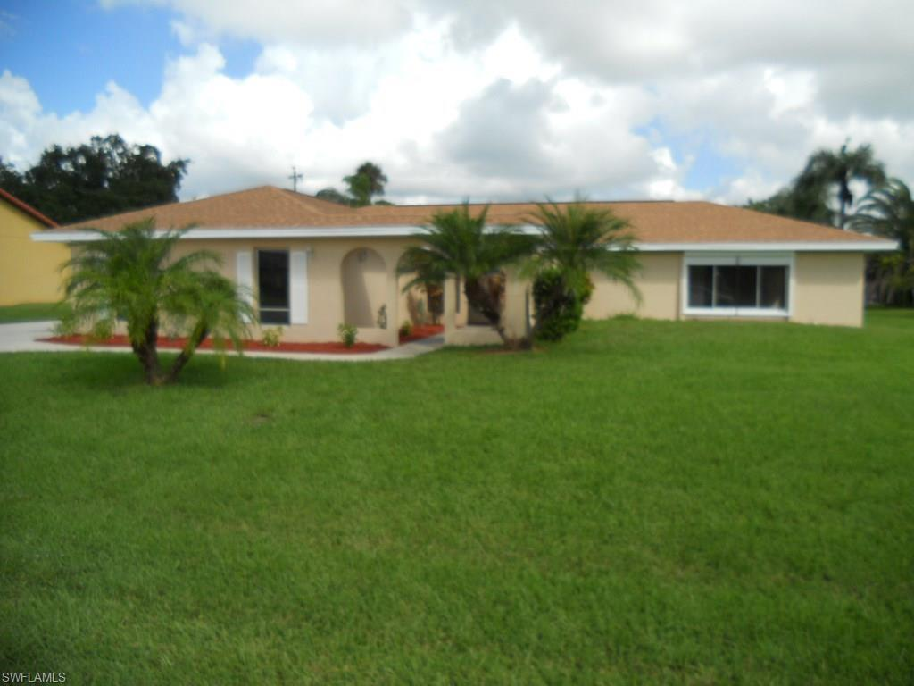 1733 Englewood Ave, Lehigh Acres, FL 33936 (MLS #216065253) :: The New Home Spot, Inc.