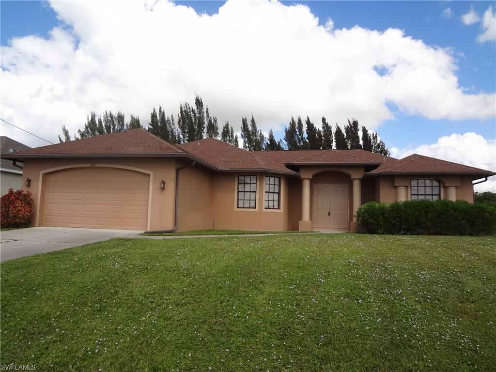 2803 NW 6th St, Cape Coral, FL 33993 (MLS #216065402) :: The New Home Spot, Inc.