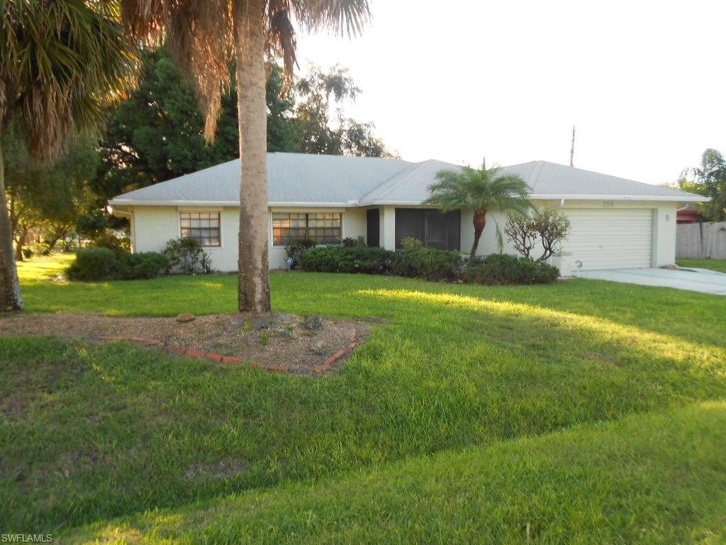 319 Thompson Ave, Lehigh Acres, FL 33936 (MLS #216065435) :: The New Home Spot, Inc.
