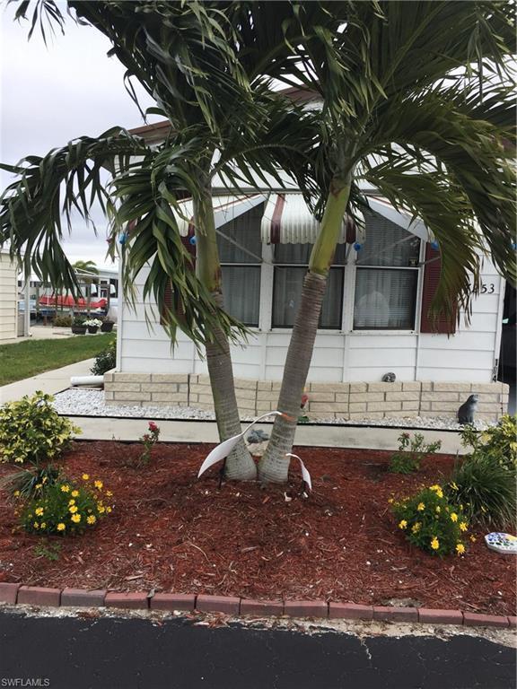 7253 Cobiac Dr, St. James City, FL 33956 (MLS #218000930) :: RE/MAX DREAM