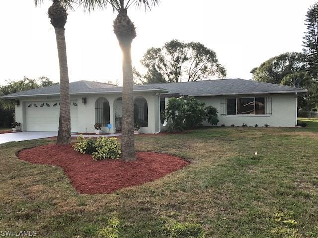 313 Cleveland Ave, Lehigh Acres, FL 33936 (MLS #218005381) :: RE/MAX DREAM