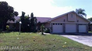 909 SE 23rd Ave, Cape Coral, FL 33990 (MLS #218006007) :: The New Home Spot, Inc.