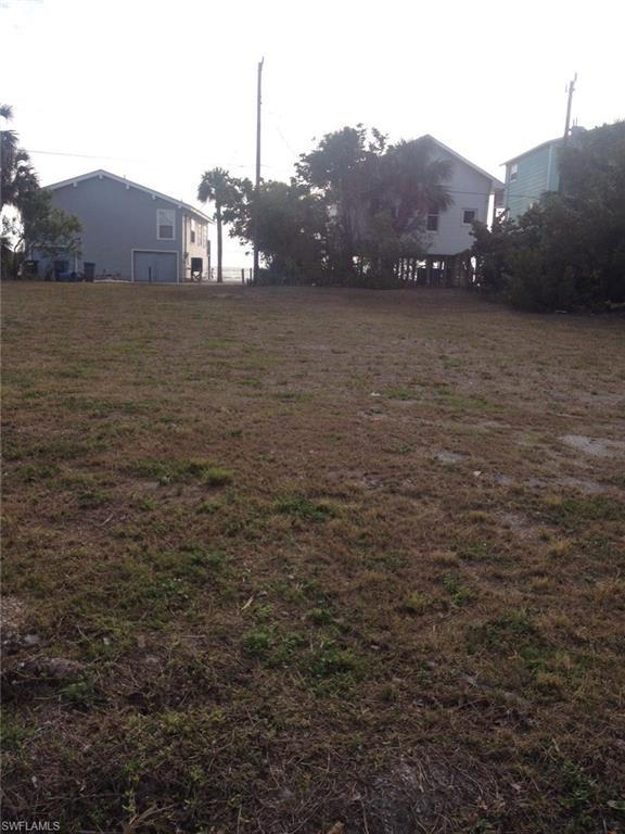 5350 Estero Blvd, Fort Myers Beach, FL 33931 (MLS #218008659) :: The New Home Spot, Inc.