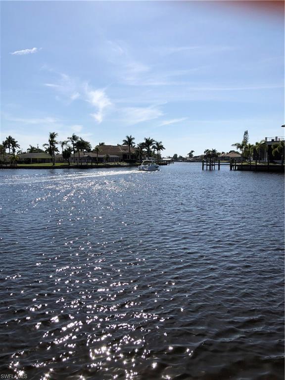 302 Tudor Dr #2, Cape Coral, FL 33904 (MLS #218009172) :: Florida Homestar Team
