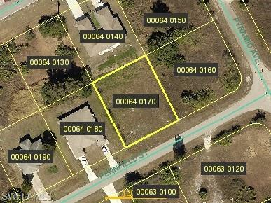 153 Pennfield St, Lehigh Acres, FL 33974 (MLS #218014363) :: The New Home Spot, Inc.