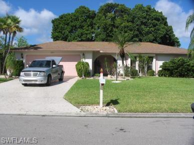 5631 Montilla Dr, Fort Myers, FL 33919 (MLS #218014618) :: RE/MAX Realty Group