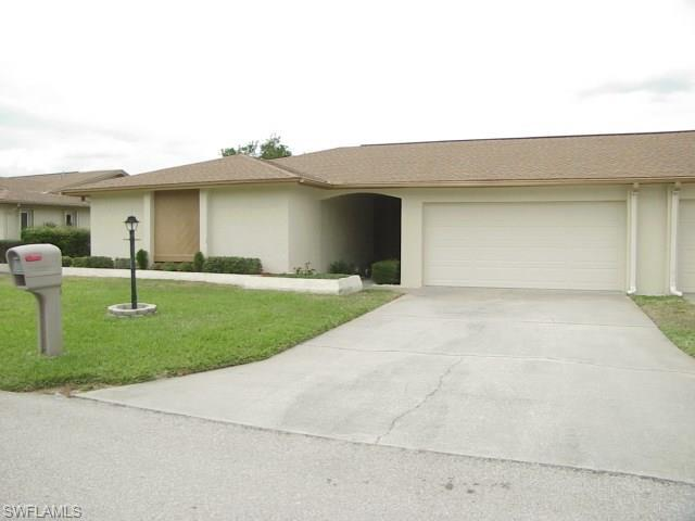 5585 Buring Ct, Fort Myers, FL 33919 (MLS #218015915) :: Clausen Properties, Inc.