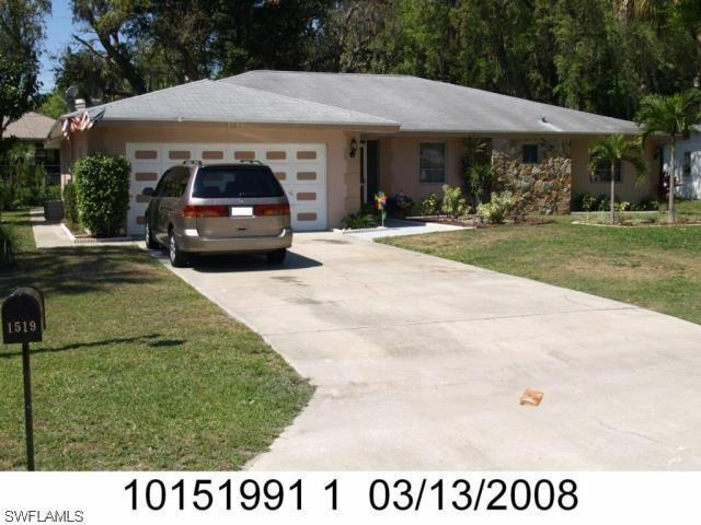1519 Flynn Rd, North Fort Myers, FL 33903 (MLS #218017111) :: The New Home Spot, Inc.