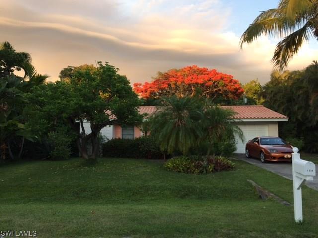 1338 Tahiti Dr, Sanibel, FL 33957 (MLS #218021152) :: RE/MAX DREAM