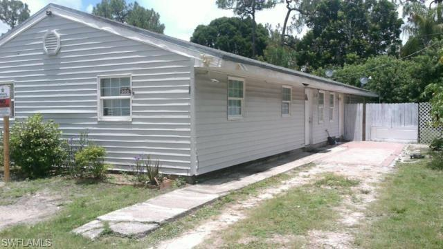 5637 4th Ave, Fort Myers, FL 33907 (MLS #218024229) :: The New Home Spot, Inc.