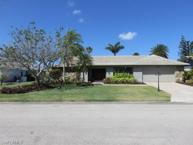 5461 Beaujolais Ln, Fort Myers, FL 33919 (MLS #218024426) :: RE/MAX DREAM