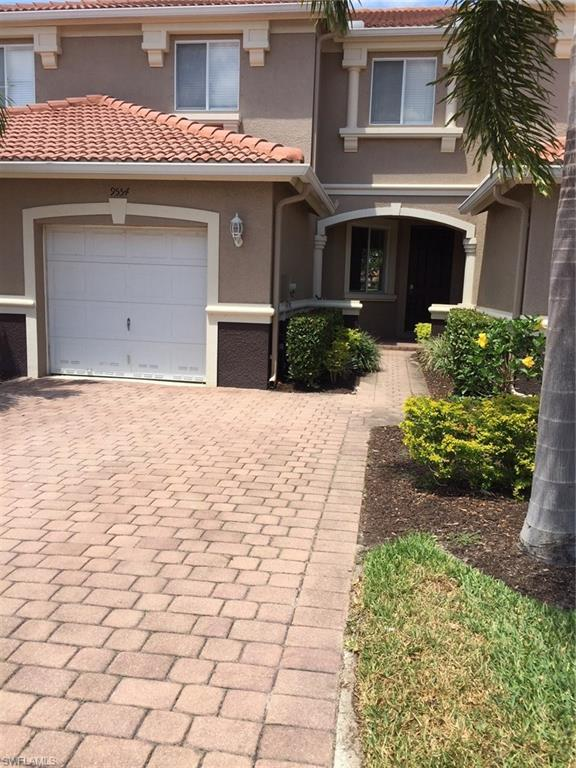 9554 Roundstone Cir, Fort Myers, FL 33967 (MLS #218027399) :: RE/MAX DREAM
