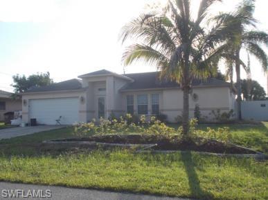 309 NE 23rd Pl, Cape Coral, FL 33909 (MLS #218028297) :: Clausen Properties, Inc.