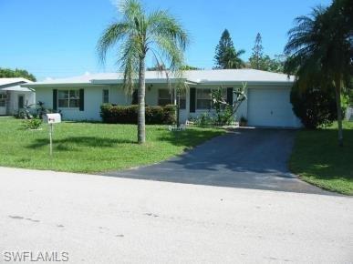 1455 Byron Rd, Fort Myers, FL 33919 (MLS #218029790) :: Clausen Properties, Inc.