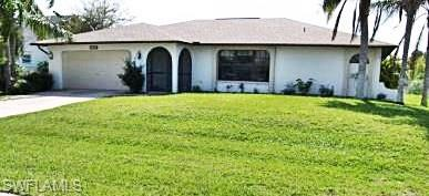 402 SE 31st Ter, Cape Coral, FL 33904 (MLS #218030063) :: RE/MAX Realty Group