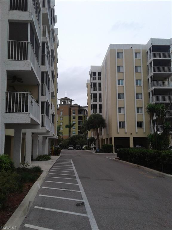 2885 Palm Beach Blvd #608, Fort Myers, FL 33916 (MLS #218030283) :: RE/MAX Realty Team