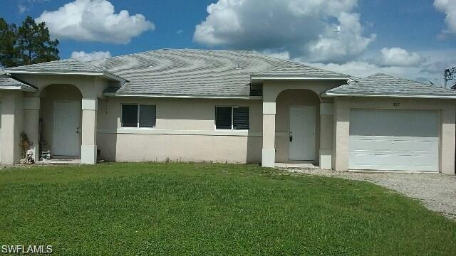 525/527 Lillon Ave S, Lehigh Acres, FL 33974 (MLS #218031013) :: The New Home Spot, Inc.