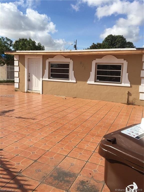 821 SE 6th PL SE Se 6Th, Hialeah, FL 33010 (MLS #218031032) :: Clausen Properties, Inc.