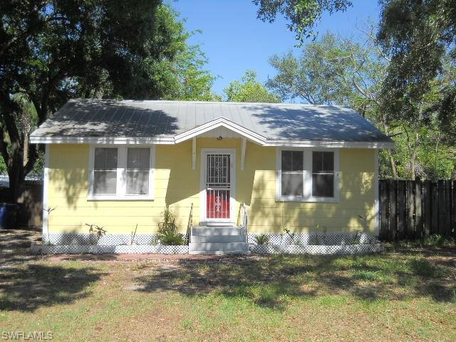 2267 Altamont Ave, Fort Myers, FL 33901 (MLS #218031922) :: The New Home Spot, Inc.