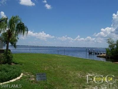 15417 Catalpa Cove Ln, Fort Myers, FL 33908 (MLS #218040038) :: Clausen Properties, Inc.