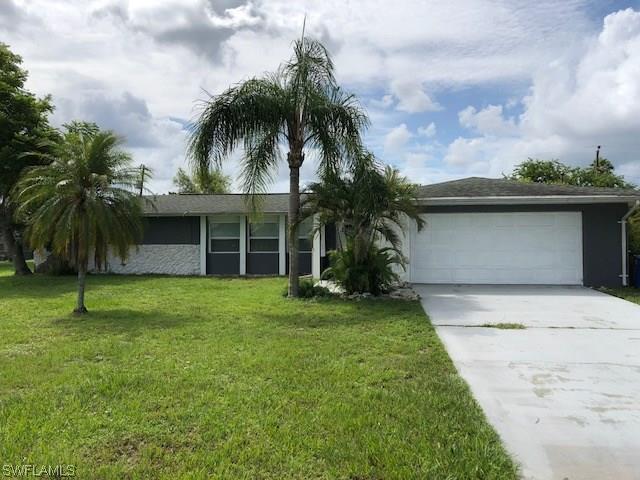 110 Dania Cir, Lehigh Acres, FL 33936 (MLS #218040127) :: Clausen Properties, Inc.