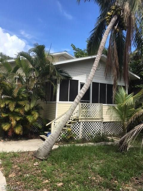 112 Lovers Ln, Fort Myers Beach, FL 33931 (MLS #218040276) :: RE/MAX Realty Group