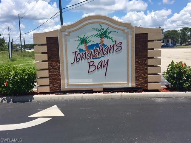 6050 Jonathans Bay Cir #302, Fort Myers, FL 33908 (MLS #218044428) :: RE/MAX Realty Team